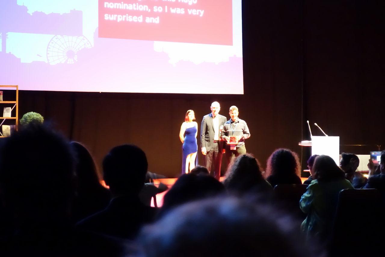 Carolina Gómez Lagerlöf accepting Big Heart Award